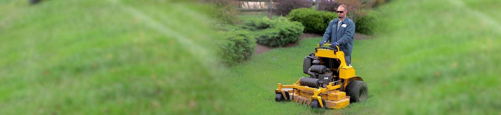 lawn-mowing-leesburg-va2